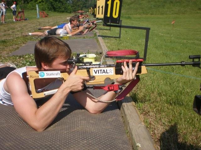 http://minnesotabiathlon.com/wordpress/wp-content/uploads/2009/06/Biathlon-Novice-Air-Rifle-Race-June-202009-012.jpg